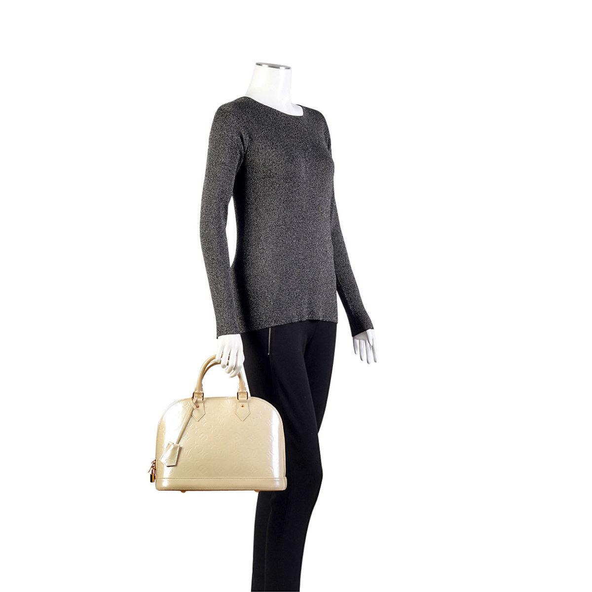 1a99e283713 Louis Vuitton Vernis Alma Pm Bag