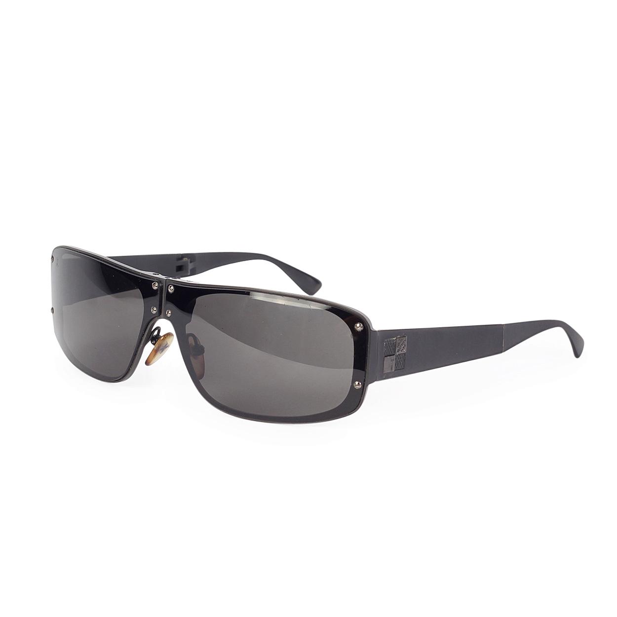 f5c90ea7a294 LOUIS VUITTON Mens Folding Evasion Sunglasses w Damier Graphite Case ...