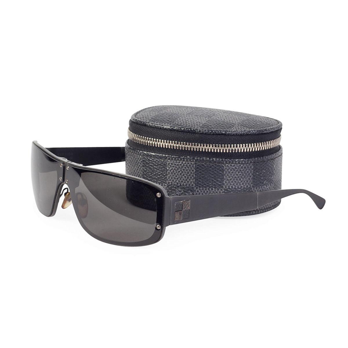 1955ded8a2 LOUIS VUITTON Men s Folding Evasion Sunglasses w Damier Graphite ...