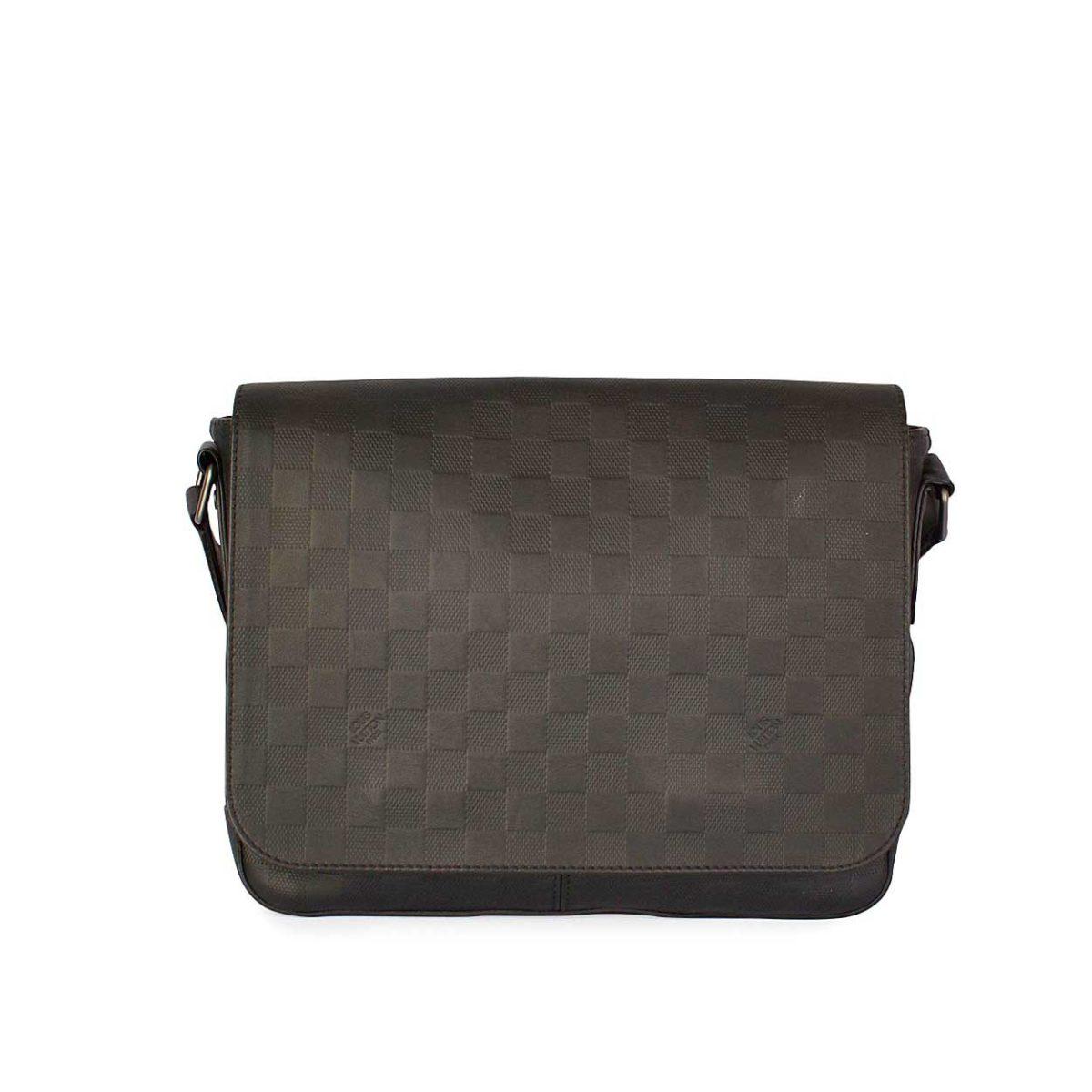 Louis Vuitton Damier Infini District Mm Messenger Bag 2 555 00 1 095 Loading