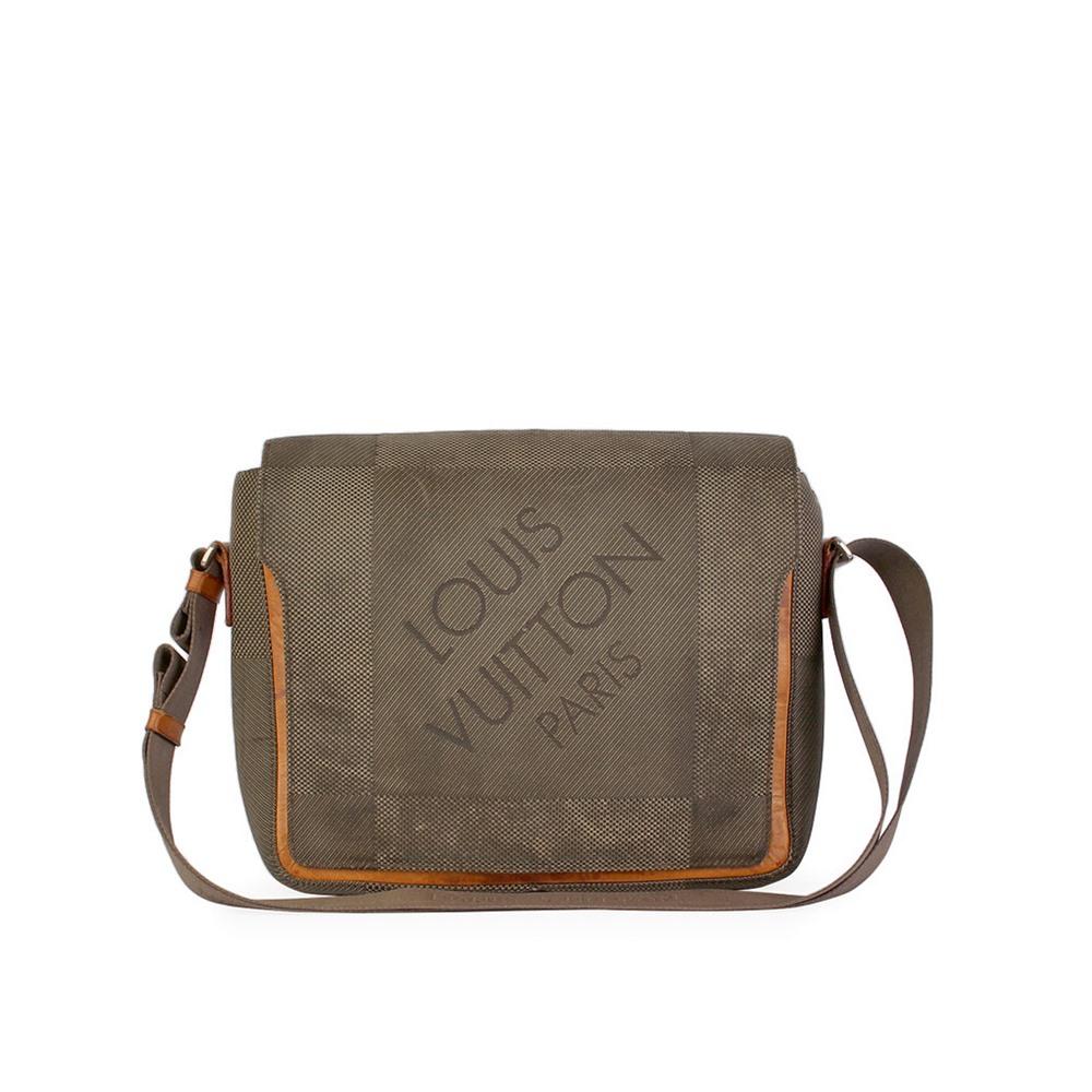 613efbcd4259 LOUIS VUITTON Terre Damier Geant Canvas Messenger Bag | Luxity