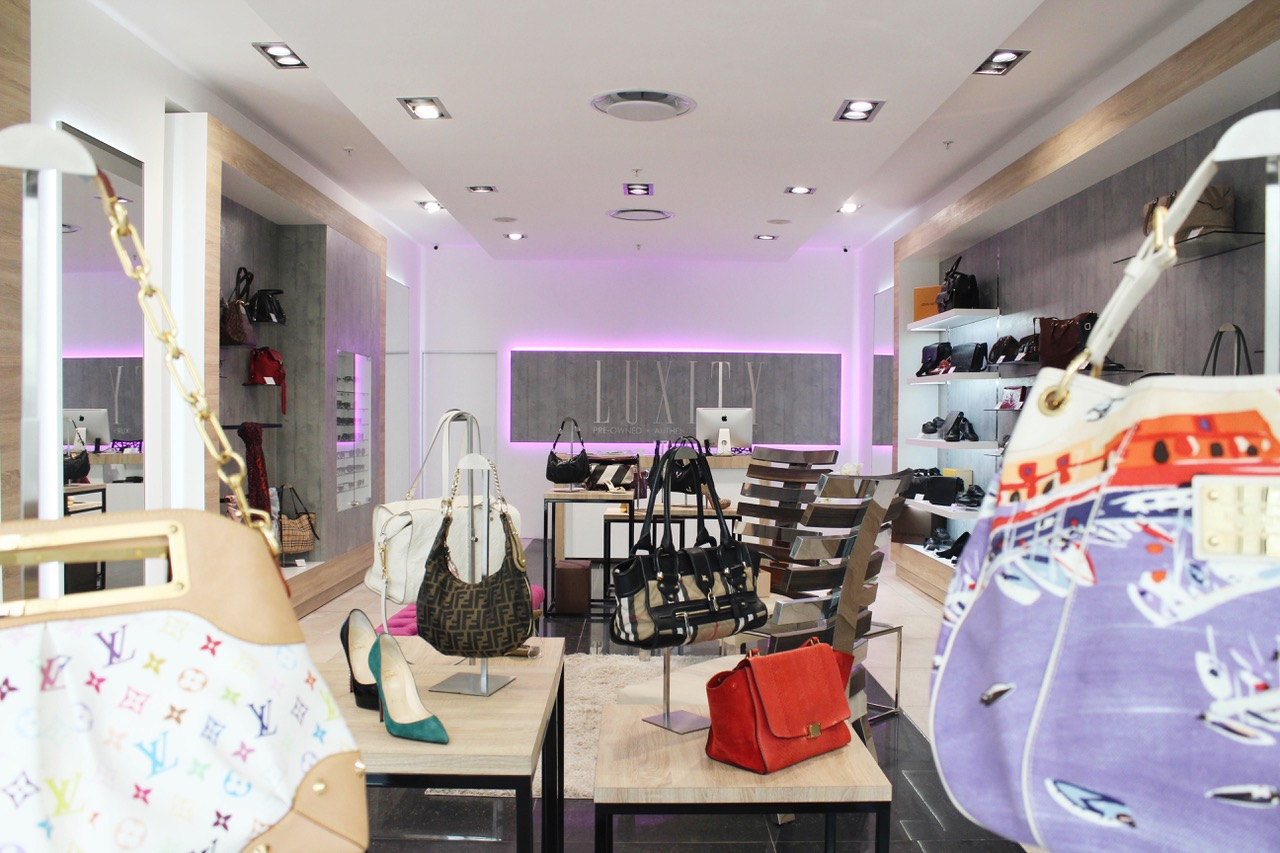 Purchase Luxury handbags at a fraction of the price