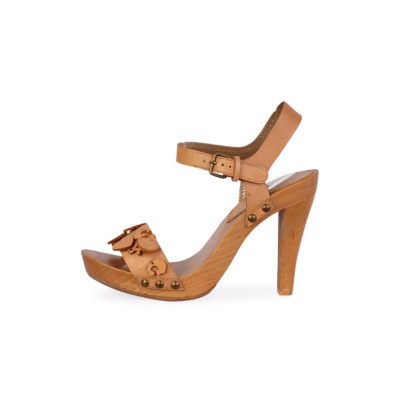 99a4ebb4561 DOLCE   GABBANA Leather Charms Wood Sandals Nude – S  39 (6)