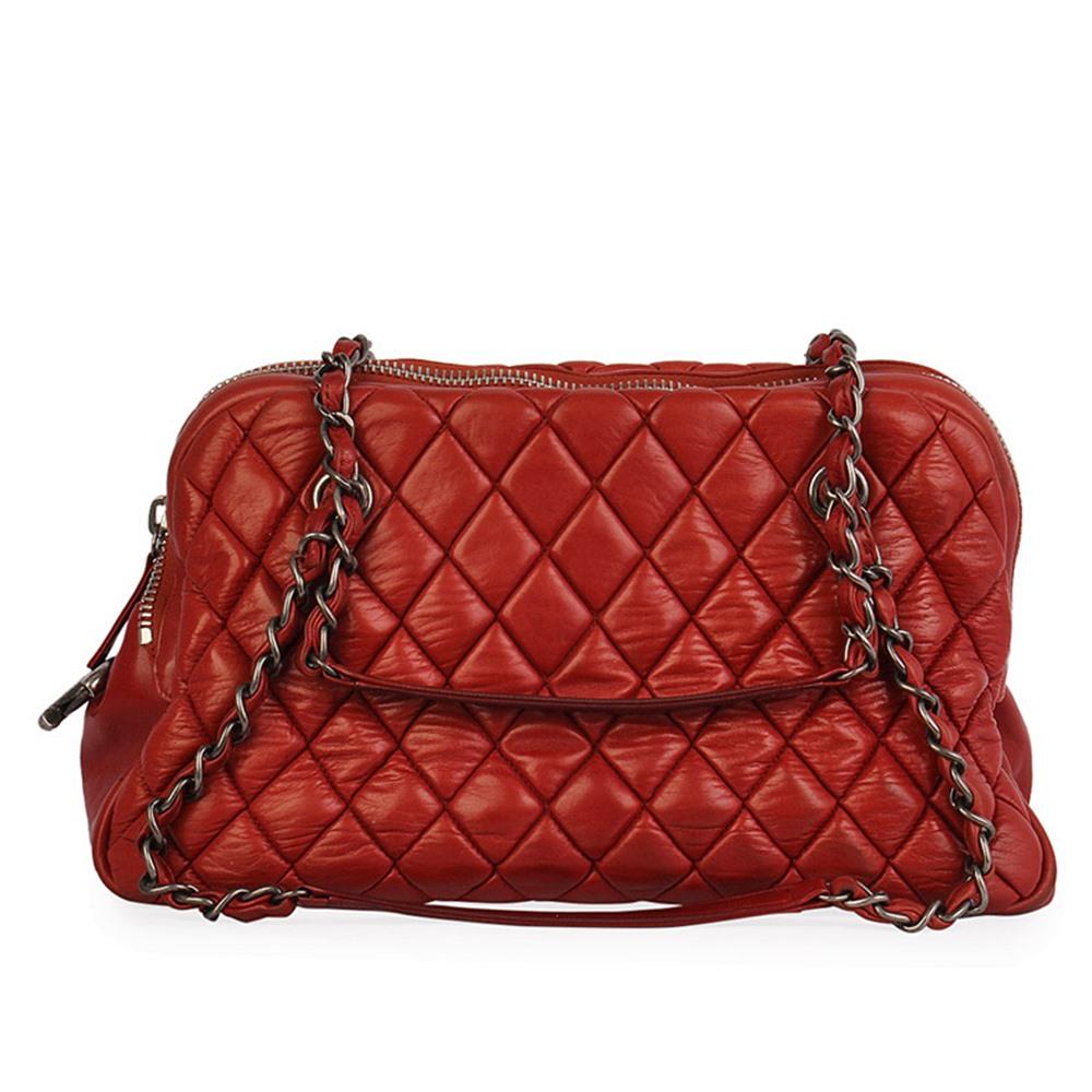 d2247b95bde7 CHANEL Quilted Calfskin Leather Shoulder Bag Red
