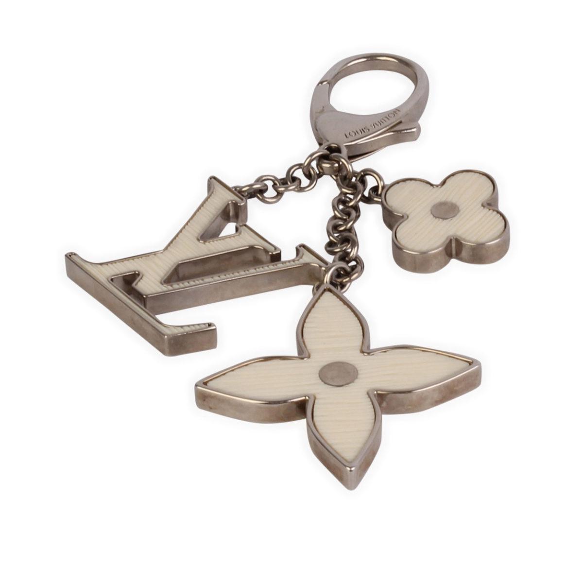 c2662fecac86 LOUIS VUITTON Fleur de Monogram Bag Charm   Key Holder White