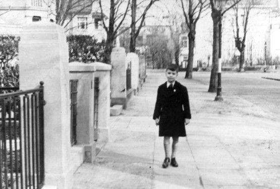 Karl Lagerfeld Early Life - Childhood