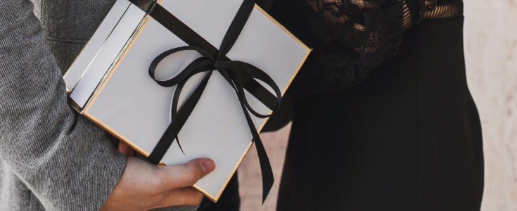 10 LUXURY VALENTINE'S DAY GIFTS FOR 'HIM'