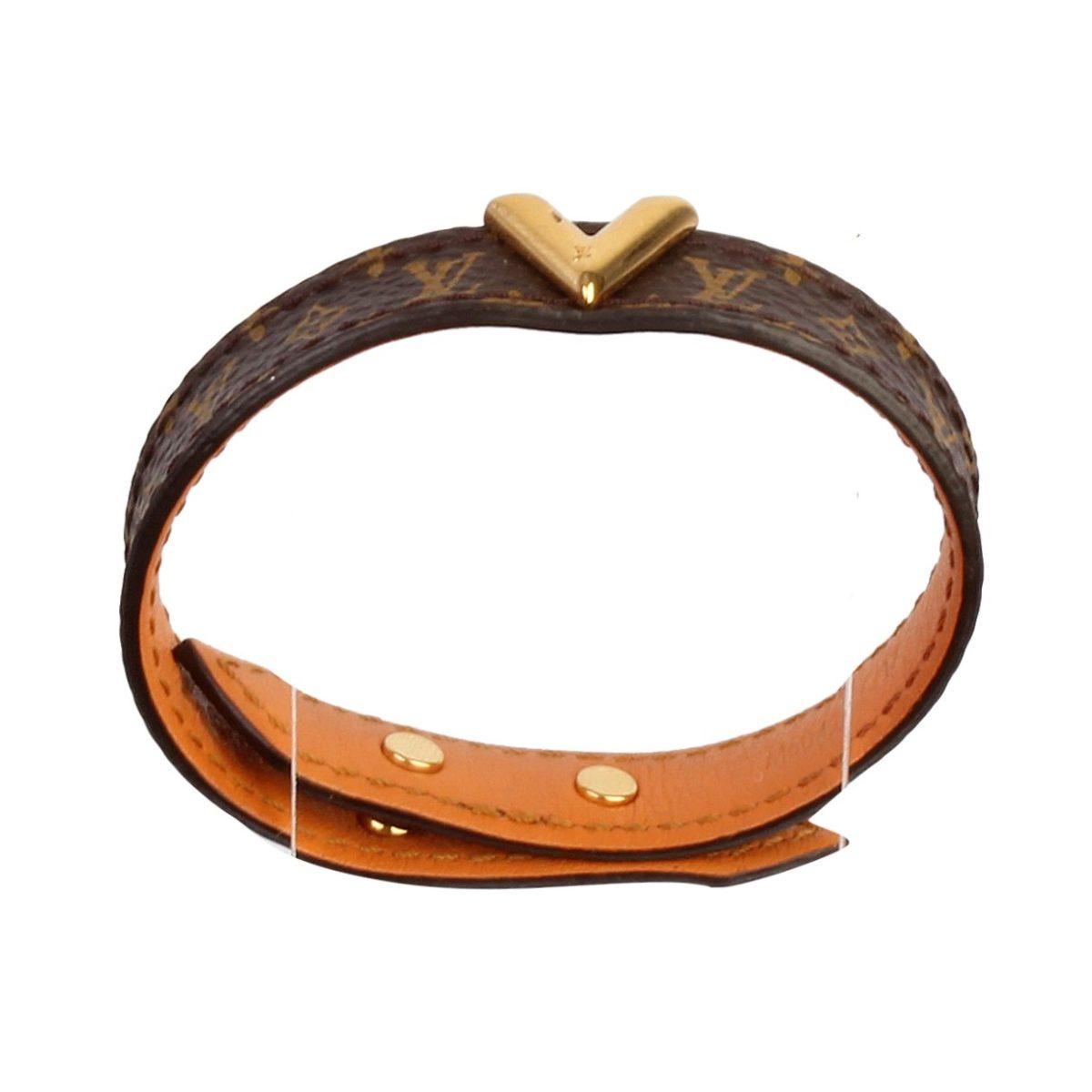 979bba77718 LOUIS VUITTON Monogram Essential V Bracelet
